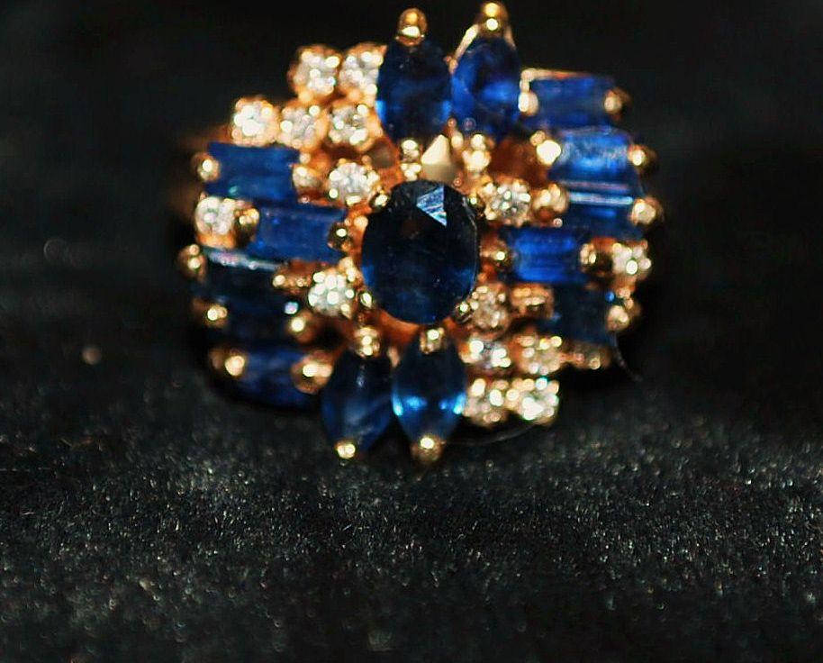 14k Sapphire and Diamond Cluster Dinner  Ring