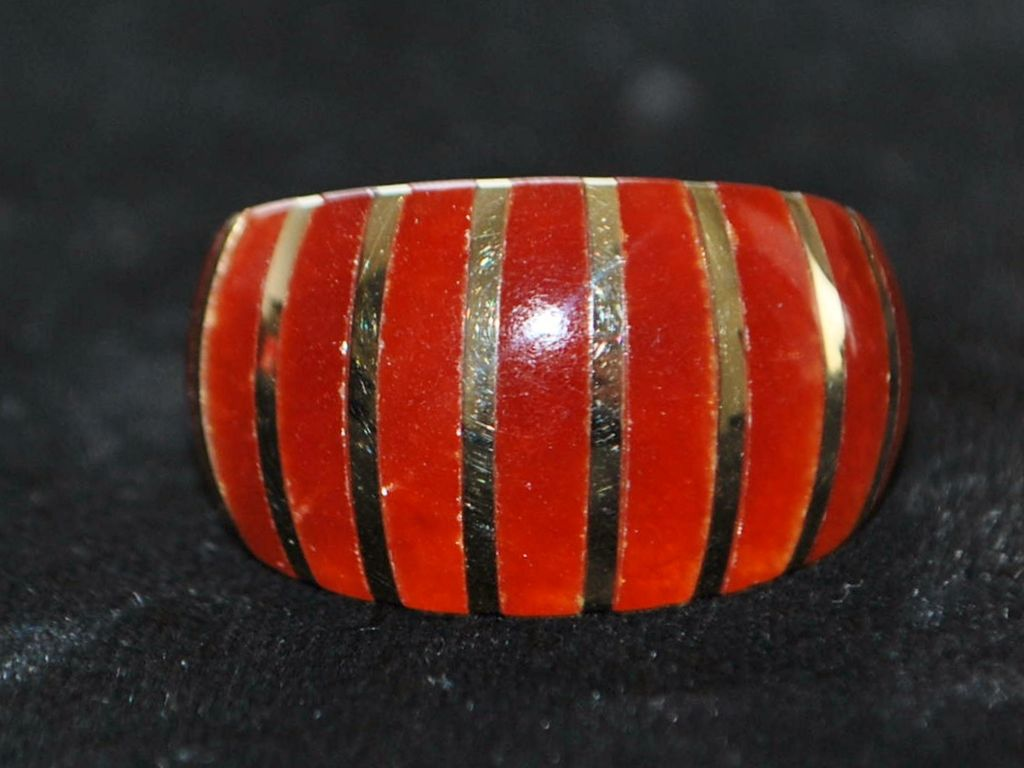 14K Carnelian and Gold Dome Ring