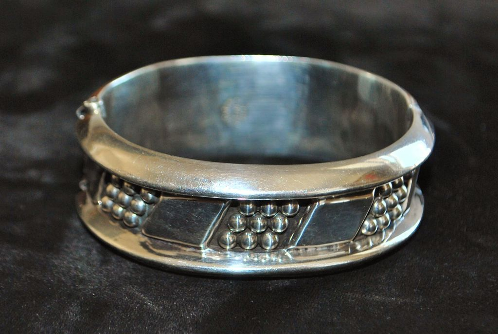 Heavy Mexican Sterling Silver Bangle Bracelet -1980's