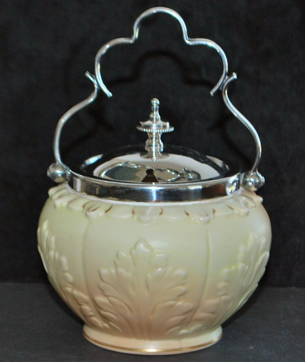 English Worcester Locke & Co. Preserve Pot, c. 1900