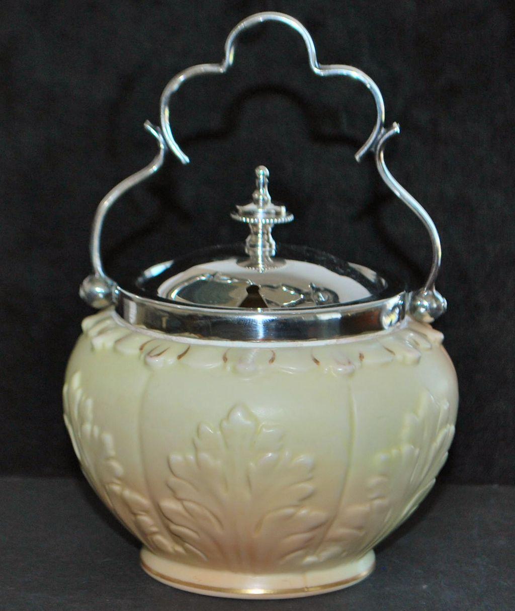 English Worcester Locke & Co. Preserve Pot, c. 1900