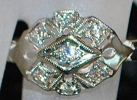 14K w/g Art Deco Diamond Filigree Ring - 1930's