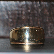 14k Designer Tapering Gold Band - Signed LEVIN