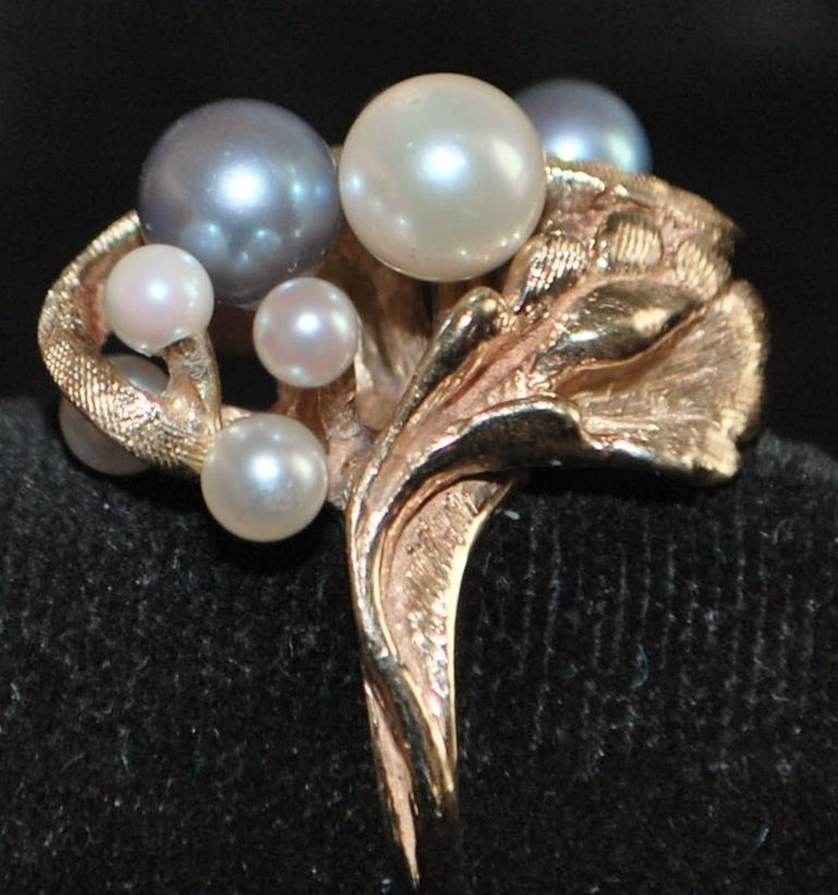 14K  Black and White Cultured Pearl Ring, 1960's