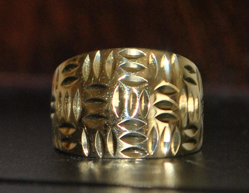 14k Diamond Cut Gold Cigar Band Ring - 1980's