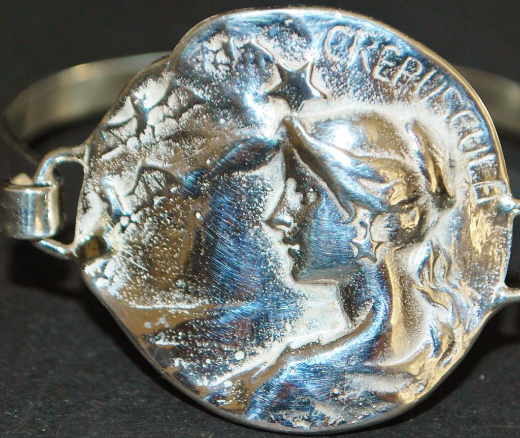 """Sterling Silver  """"Maiden"""" Medallion  Bracelet"""
