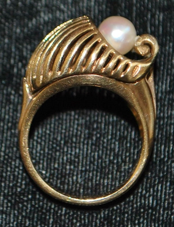 14K High Style Retro Pearl Cocktail Ring - 1940's