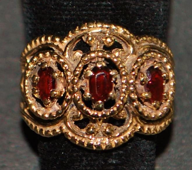 14k Etruscan Style Garnet ring - 1980's