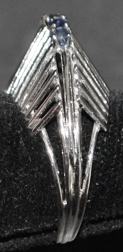 18K w/g Modern Sapphire Ring - 1950's