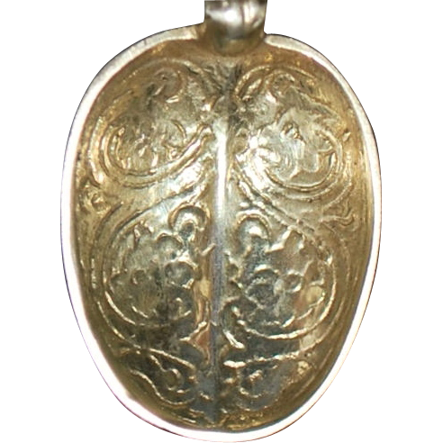 English Gild Sterling  Silver Engraved Salt Spoon - 1819