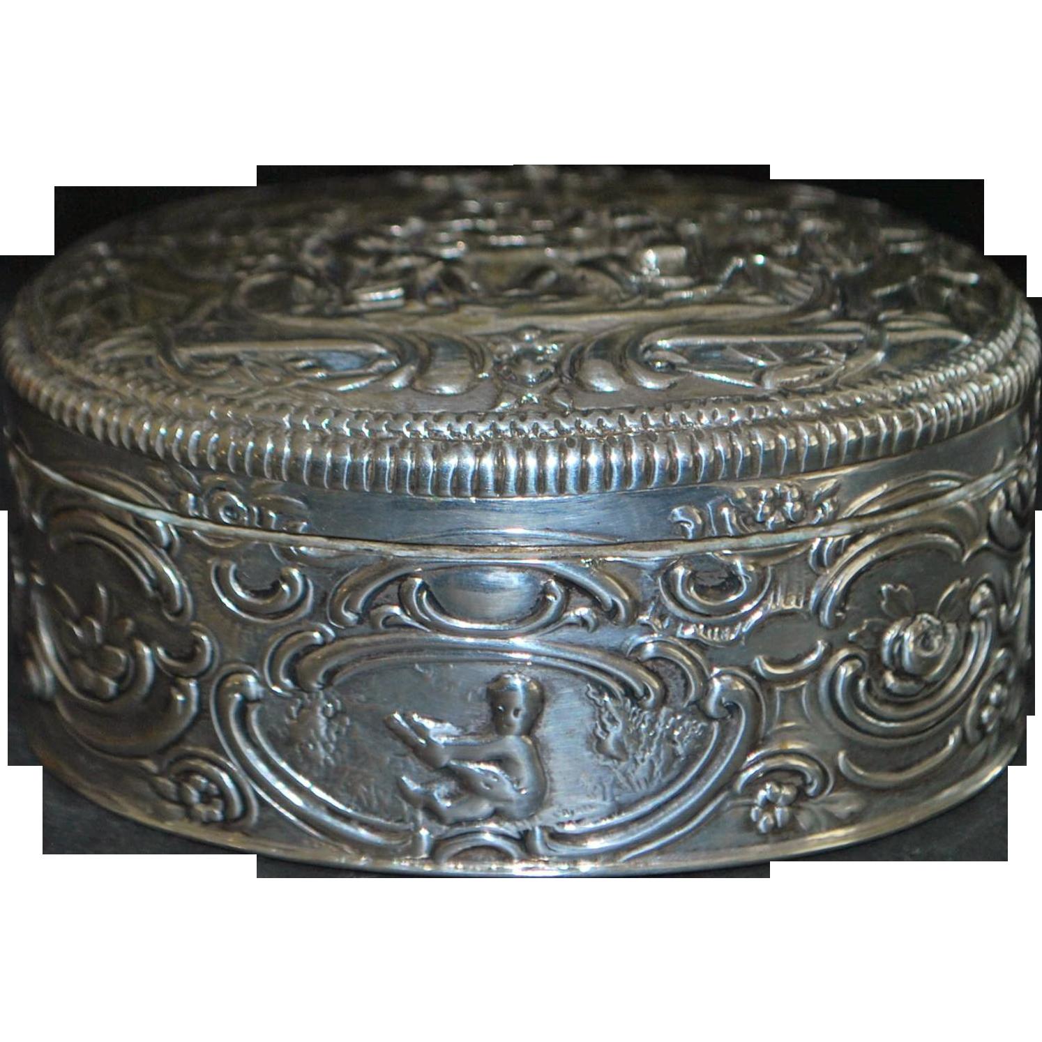 German Loth 13 Silver Repousse Snuff Box - 1880