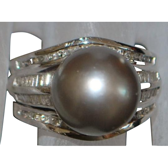 Chinese 14K w/g Large Cultured Pearl and Diamond Ring