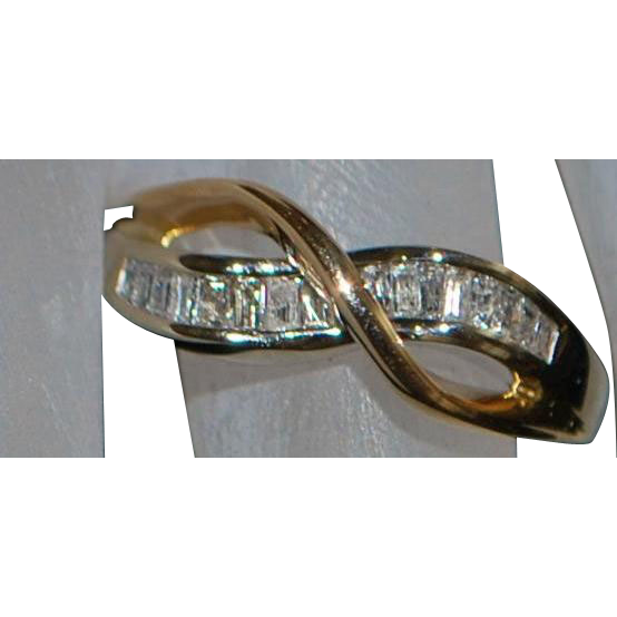 14K Modernist Two Tone Diamond Baguette Ring - 1970's