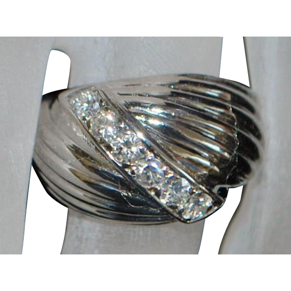 14K White Gold Diamond Retro Ring - 1960's