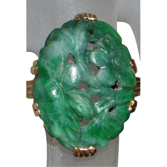 14k Art Deco Carved Green Jade Ring - 1930's