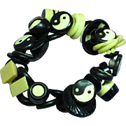 Black and Cream Ying Yang Lucite Vintage Buttons Stretchy Elastic Bracelet
