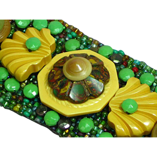 Hand Beaded Bakelite Buttons and Glass Seed Bead Bracelet