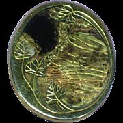 Vergoldet Uhlig Marked Scenic Black and Gold Iridescent Pin Brooch