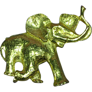 Republican Elephant Gold Tone Happy Good Luck Pin Brooch