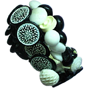 Black White Lucite Vintage Buttons Double Strand Stretchy Elastic Bracelet