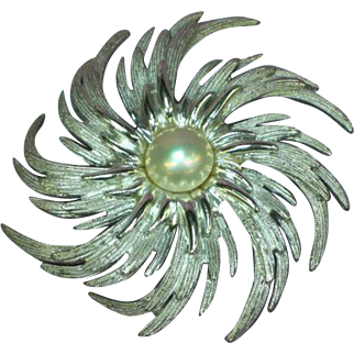 Fabulous Massive Sarah Coventry Faux Pearl Swirl Brooch Pin