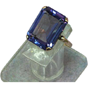 Faux  Alexandrite Corundum Color Change 9kt Yellow Gold  Cocktail Ring
