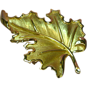 50% OFF SALE Crown Trifari Gold Tone Realistic Leaf  Pin Brooch