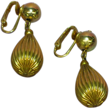 Dangle Goldtone Ribbed Teardrop NOS Clip Earrings