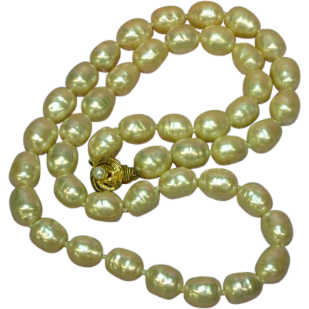 Miriam Haskell Glass Pearls Poured Glass Necklace
