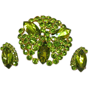 Regency Unsigned Rhinestones  Olivine Green Sensational Large Pin and Earrings Demi Parure