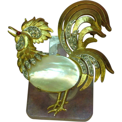 Vintage Crown Trifari Mother of Pearl Jelly Belly Rhinestone Rooster Pin Brooch