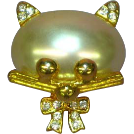 Rhinestones Cat  Kitty Faux Pearl  Figural Whimsy Pin Brooch