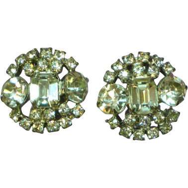 Rhinestones Brilliant Crystal Clear Bright Vintage  Round Clip Earrings