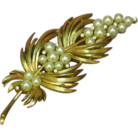 Crown Trifari  Imitation Pearls and Rhinestones Rare Pin Brooch