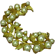 Crown Trifari Gold-tone Imitation Pearls Rare Pin Brooch