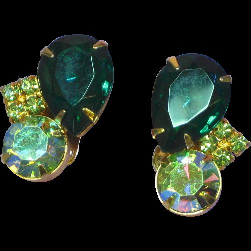 Juliana  Vintage D&E DeLizza & Elster Green Rhinestone Clip Earrings
