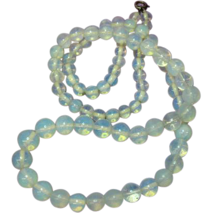 Opaline Opalite  Bead Vintage 50's Art Glass Sterling Clasp Necklace