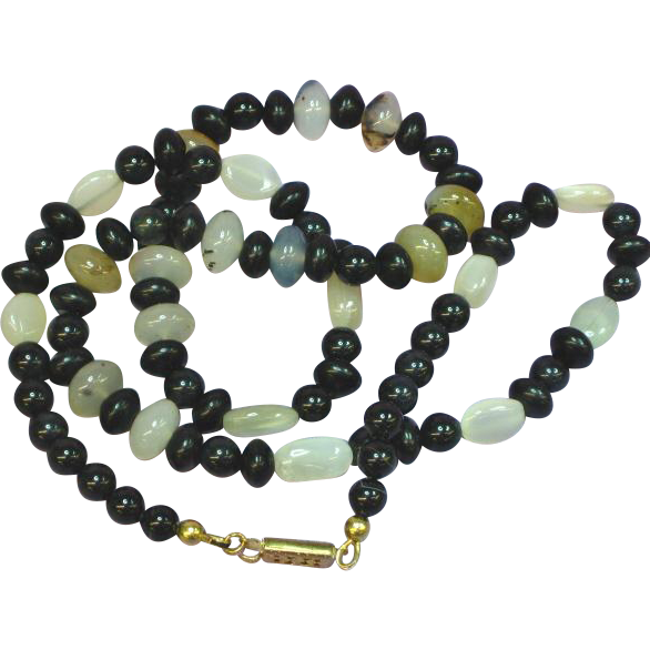 Moon Stone Agate Onyx Bead Necklace