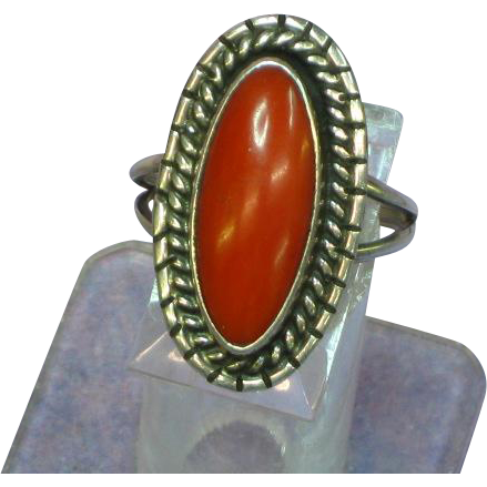 Native American Indian Outstanding Deep Red Coral and Sterling Silver Vintage Southwestern Ring