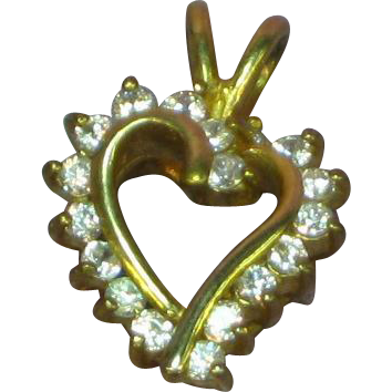 Sweet Vintage 10K Yellow Gold 1.50 CTW CZ  Heart Necklace Pendant