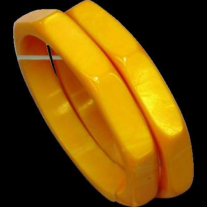 Bakelite Bracelets Pair (2) 8 Sided Carved Light Marbleized Butterscotch