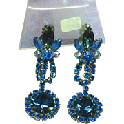 Vintage Juliana (D&E) Blue Crystal Rhinestone Dangle Clip Earrings