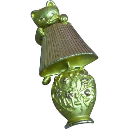 Kitty on a Lamp Shade Large Pin Brooch