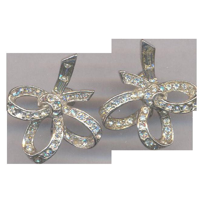 Vintage Fabulous 40's Rhinestone Earrings