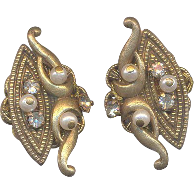 Vintage Unmarked Clip on Earrings with Rhinestones