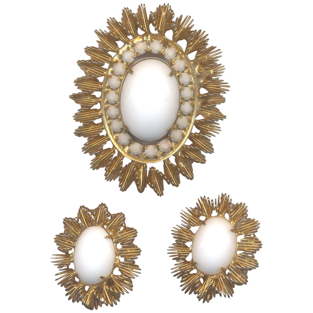 Vintage White Jonne' Brooch and Clip on Earrings Set