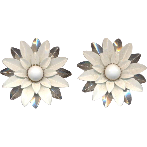 Sarah Conventry Large Flower Clip on Earrings