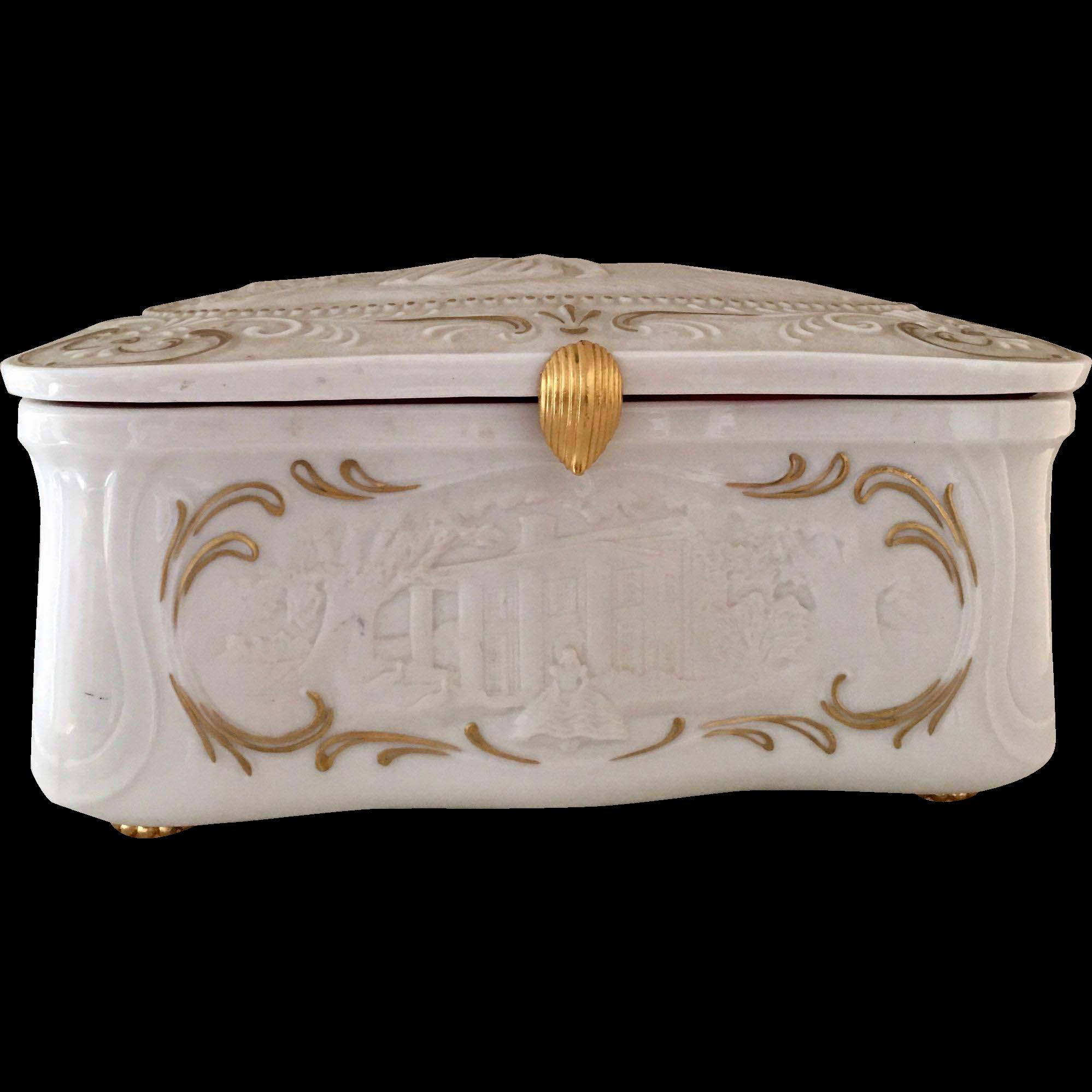 Vintage Franklin Mint Porcelain SCARLETT RHETT GONE WITH THE WIND Music Jewelry Box