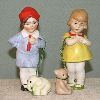 """Pair 3"""" Hertwig Kids with Pets on Leashes"""