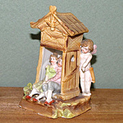 Cupid Spying on Lovers ~ Hertwig # 7168 ~ Tiny and Sweet!